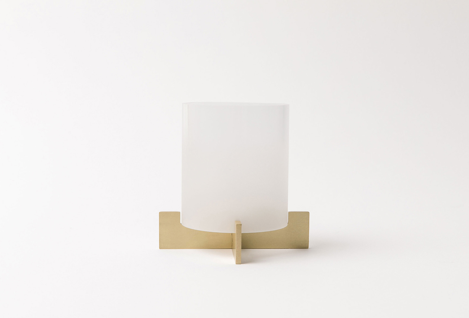Brasslic-Candle Holder